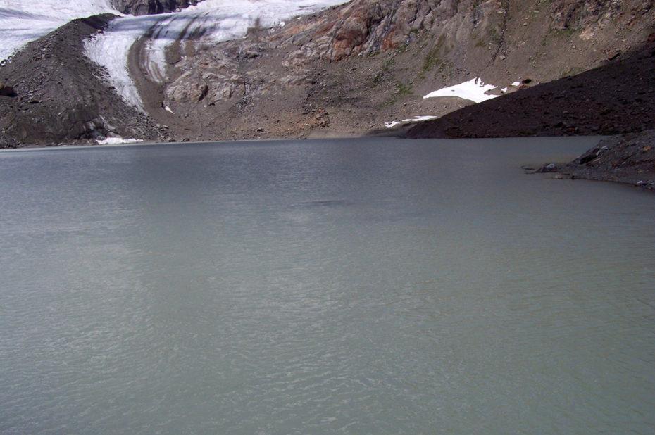Les eaux laiteuses du Lac des Quirlies