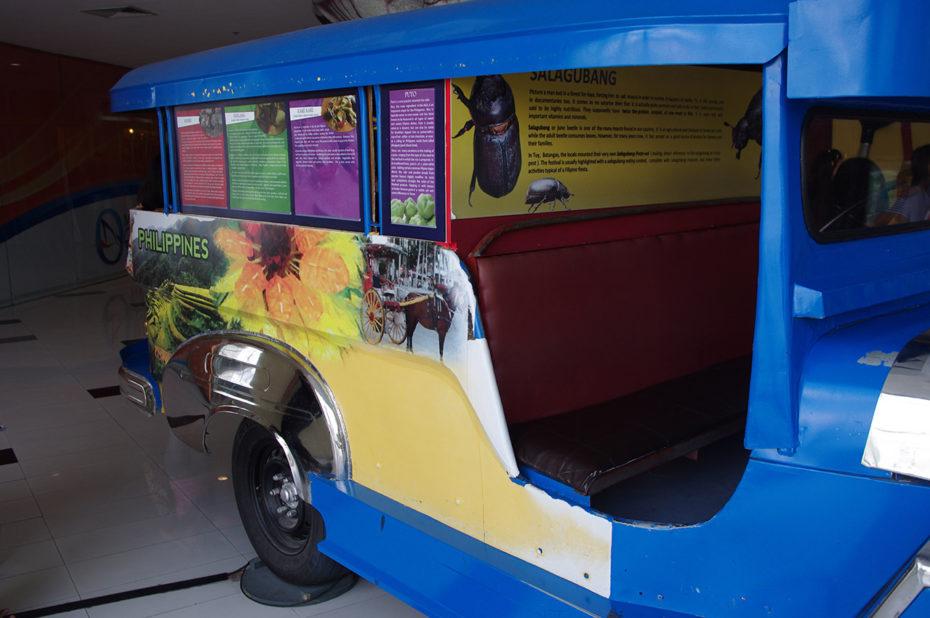 Un Jeepney, véhicule typiquement philippin