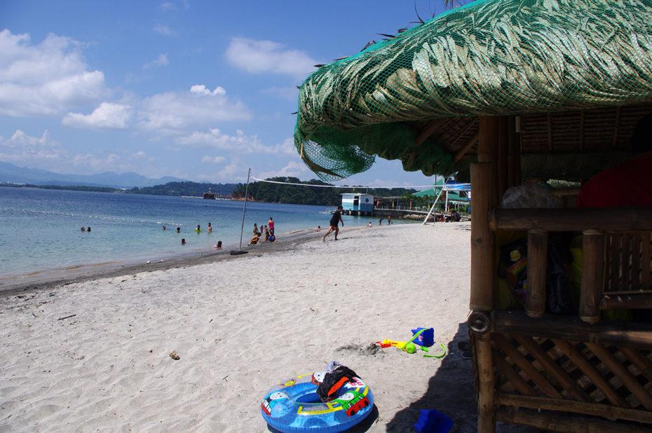 La magnifique plage de Camayan Beach