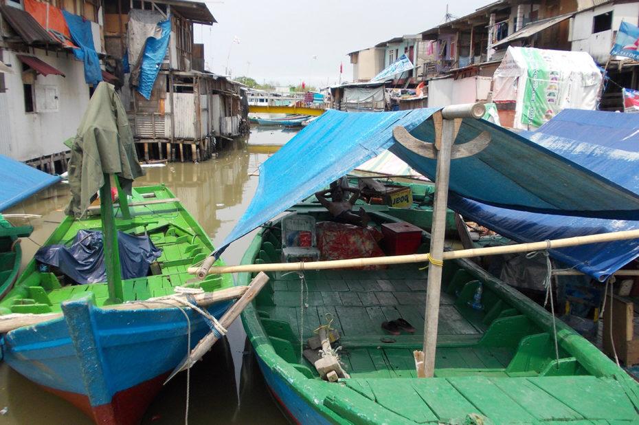 Le port de Jakarta, très pollué