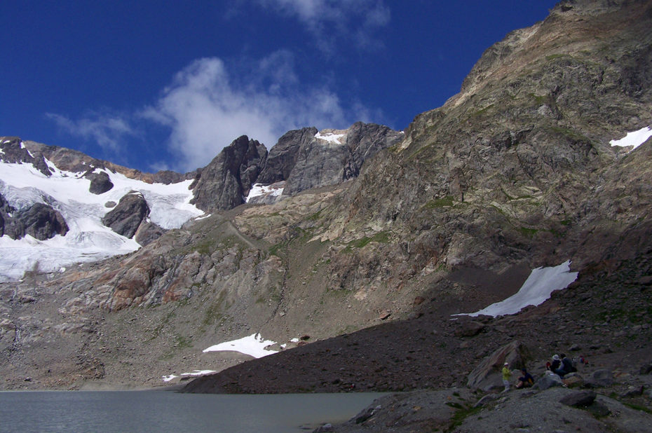 Pique-nique au bord du lac des Quirlies