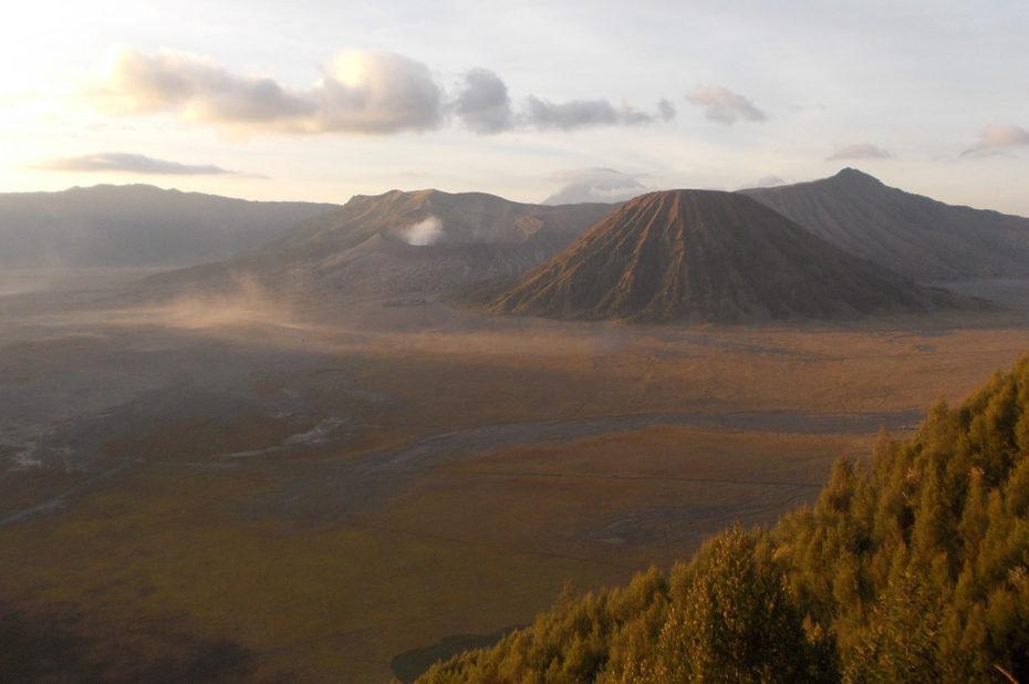 Le volcan Bromo au lever du soleil