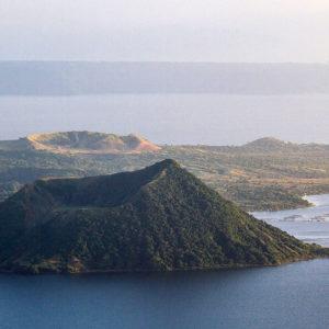Le volcan Taal et sa caldera