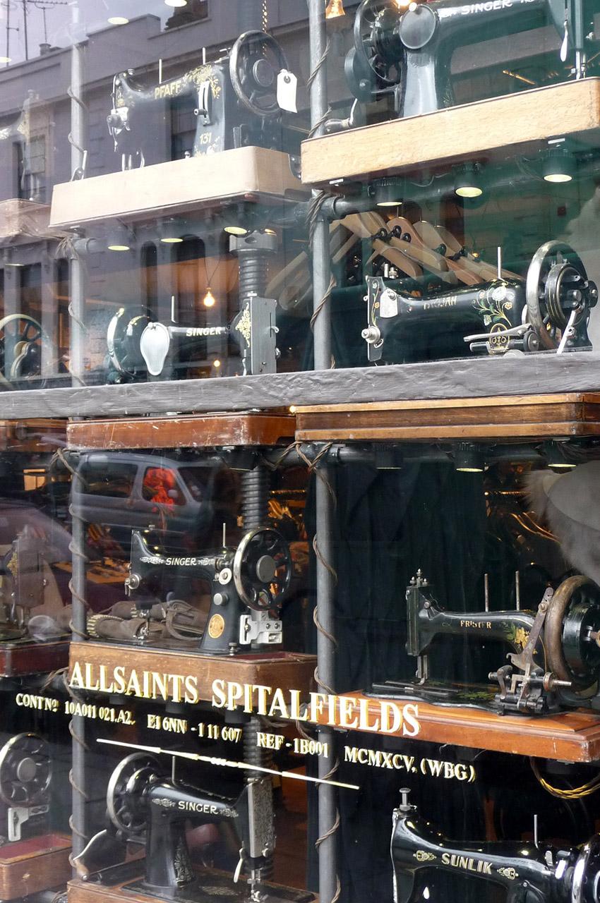AllSaints Spitalfields, boutique de machines à coudre