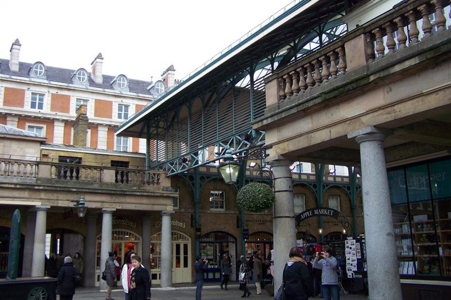 Covent Garden attire de nombreux badauds et touristes
