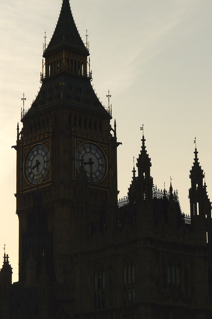 Le clocher de Big Ben au crépuscule