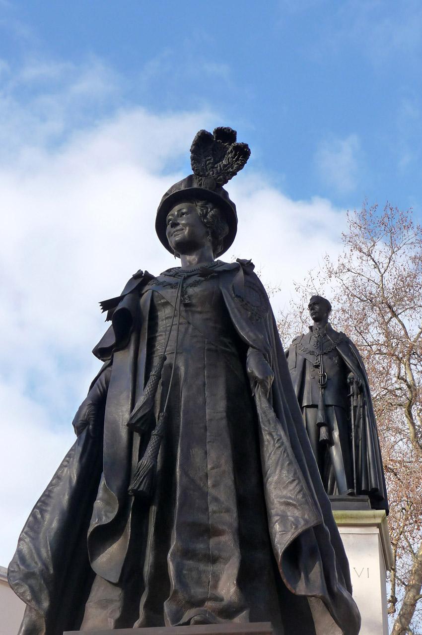 Mémorial à la Reine Élisabeth, la reine mère, et au roi George VI
