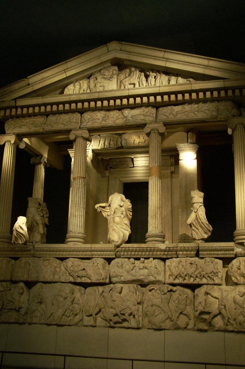 Le monument des Néréides, de style grec