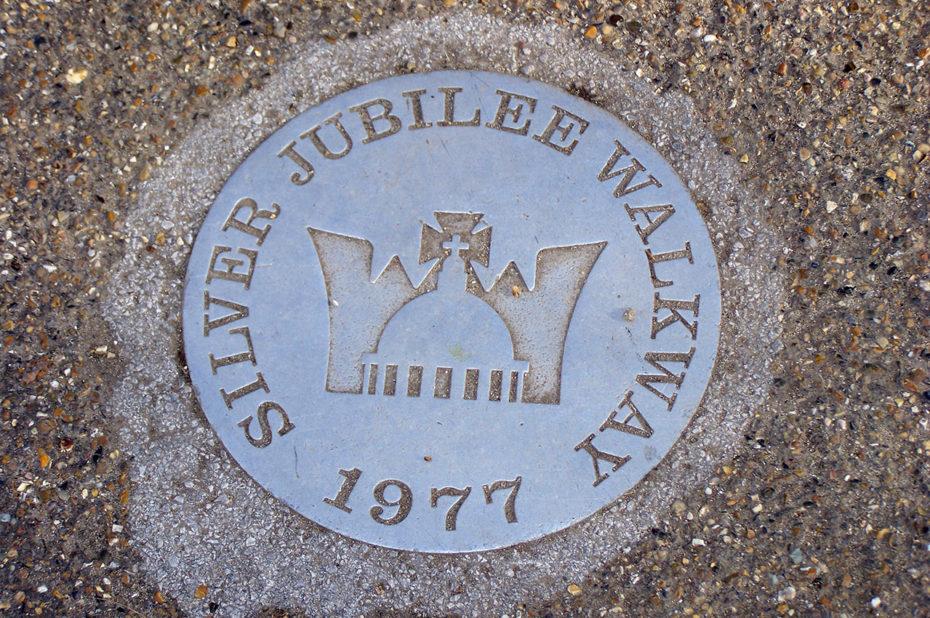Sur le Silver Jubilee Walkway, ouvert en juin 1977