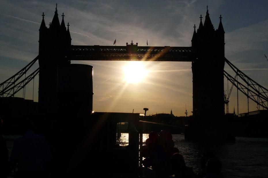 Coucher de soleil sur le pont de Londres