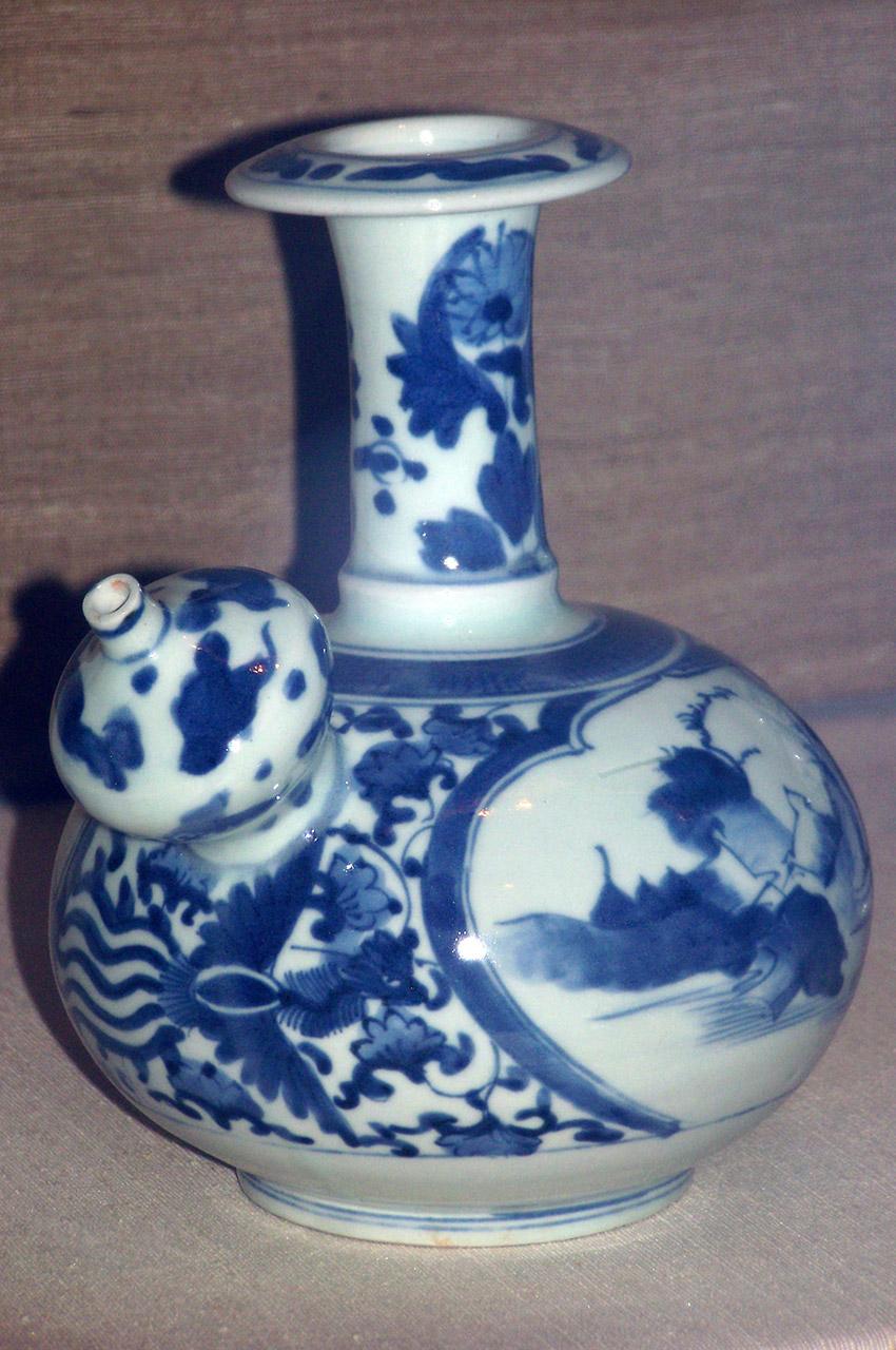 Petit pot en porcelaine bleu et blanc