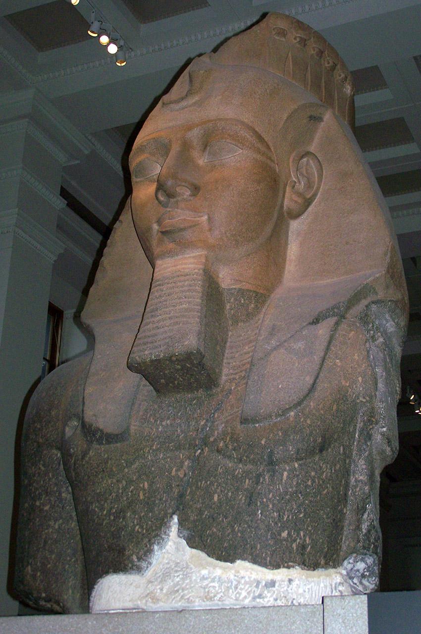 Buste de Ramsès II, le jeune Memnon