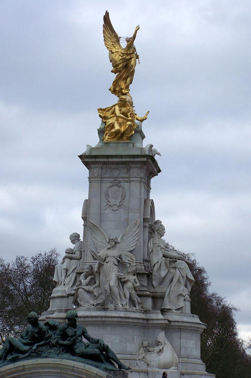 Statue de Victoria devant Buckingham Palace