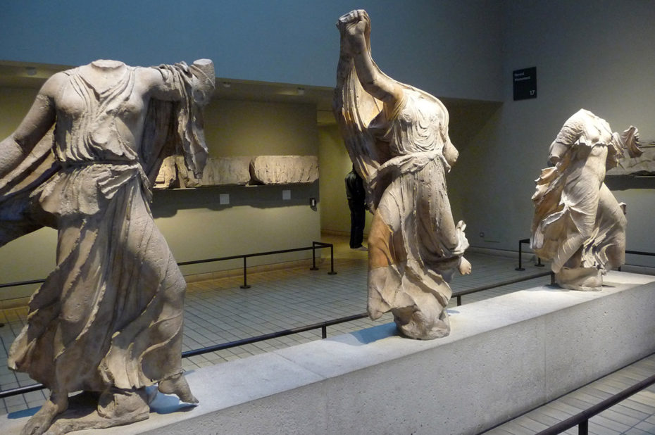 Statues des Néréides, Grèce