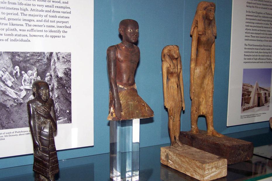 Statuettes datant de la 5e dynastie