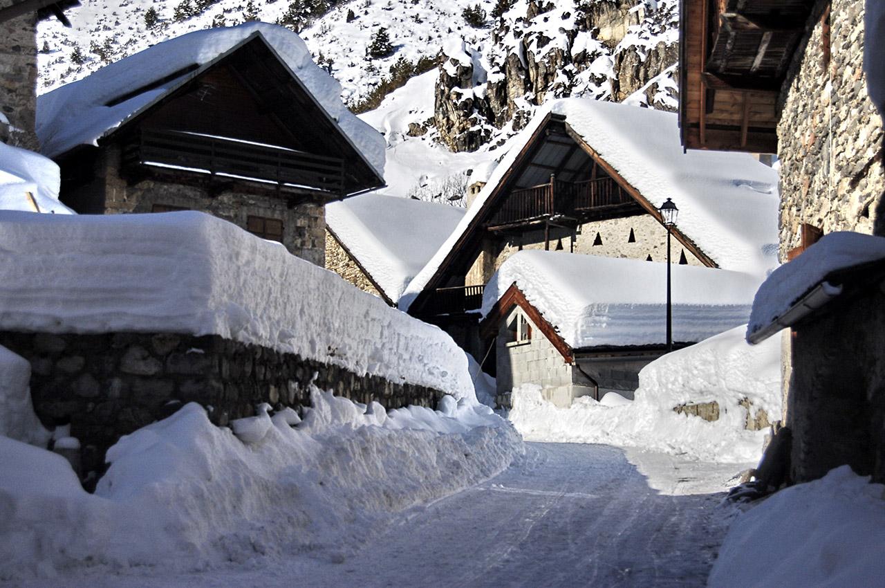 Le village de Névache sous la neige