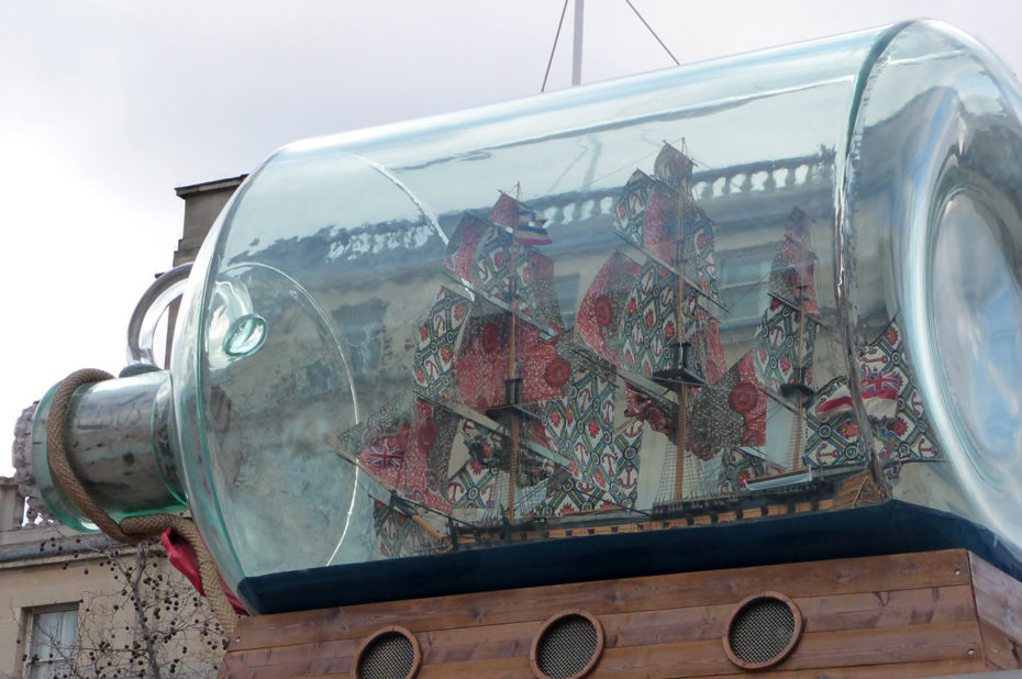 Bateau de Lord Nelson dans une bouteille sur Trafalgar Square