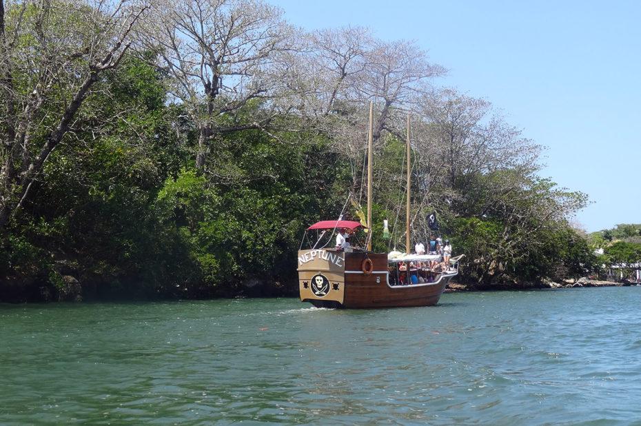 Un bateau nommé Neptune