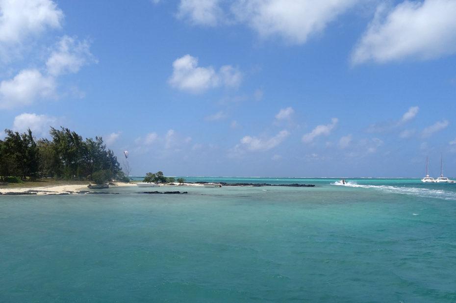 Les eaux turquoises de l'océan Indien à l'île Maurice