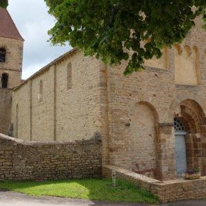 Église Saint-Valentin de Jalogny sous le soleil