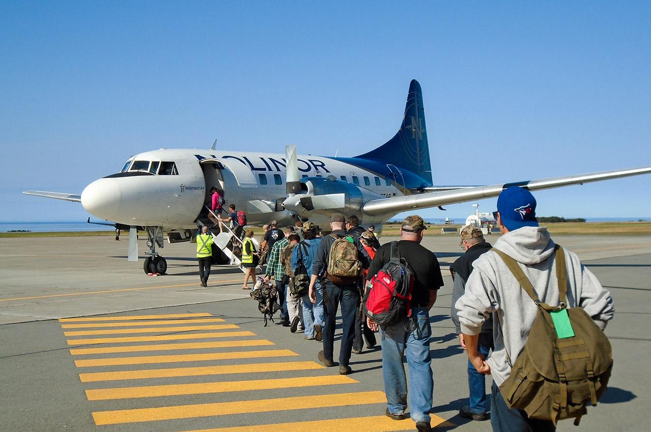 Embarquement dans l'avion directement sur la piste