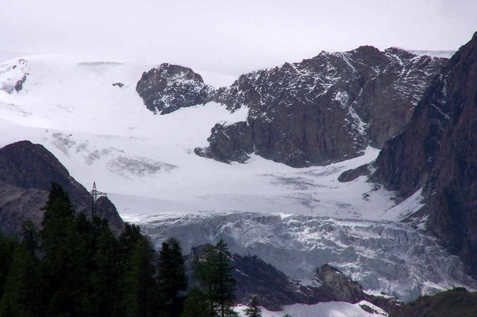 Glacier dans le massif du Cervin