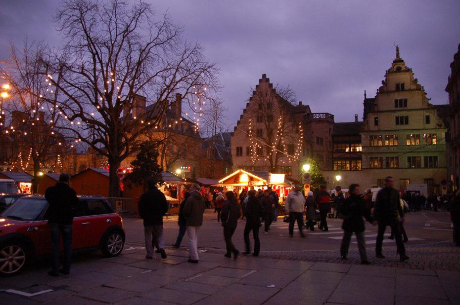 Le marché de Noël au crépuscule