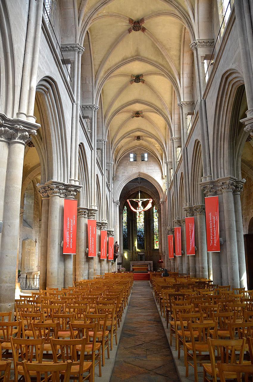 La nef de l'église Notre-Dame de Cluny