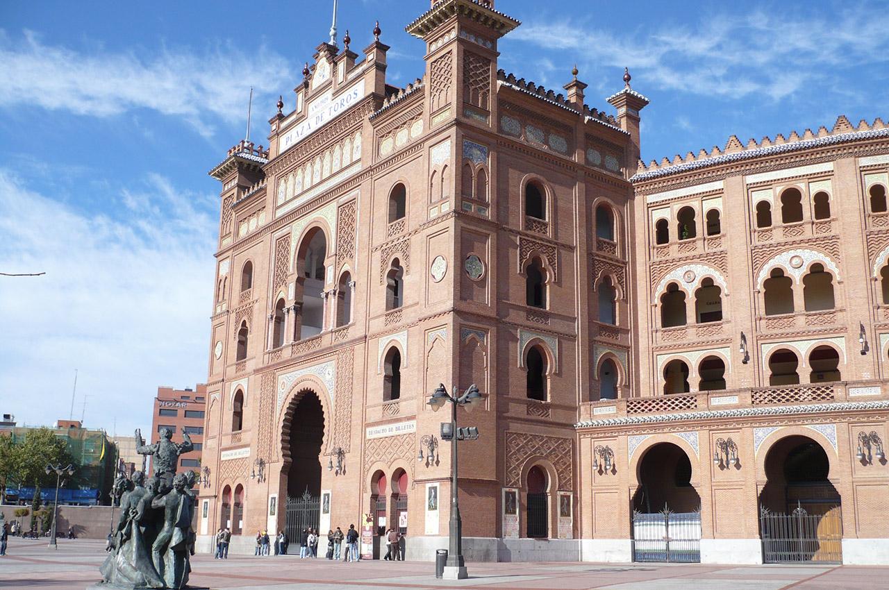 Sur la Plaza de Toros, à Madrid