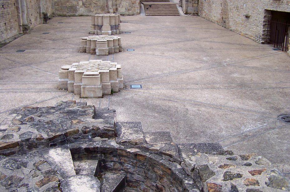 Les vestiges du narthex de l'Abbaye