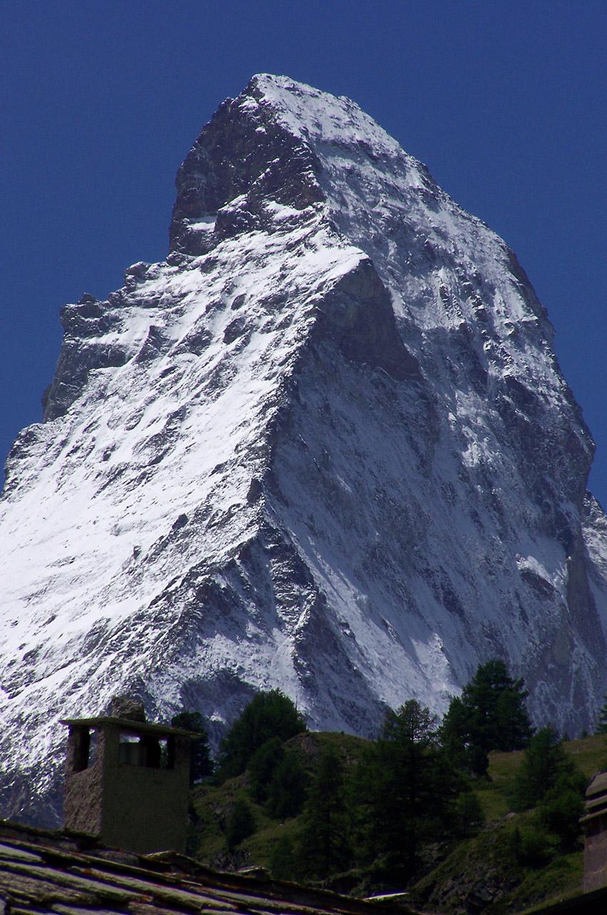 Une imposante majesté de roches et de glace