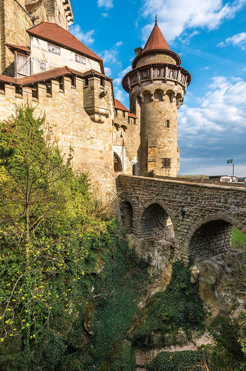 Château de Kreuzenstein, tour et pont