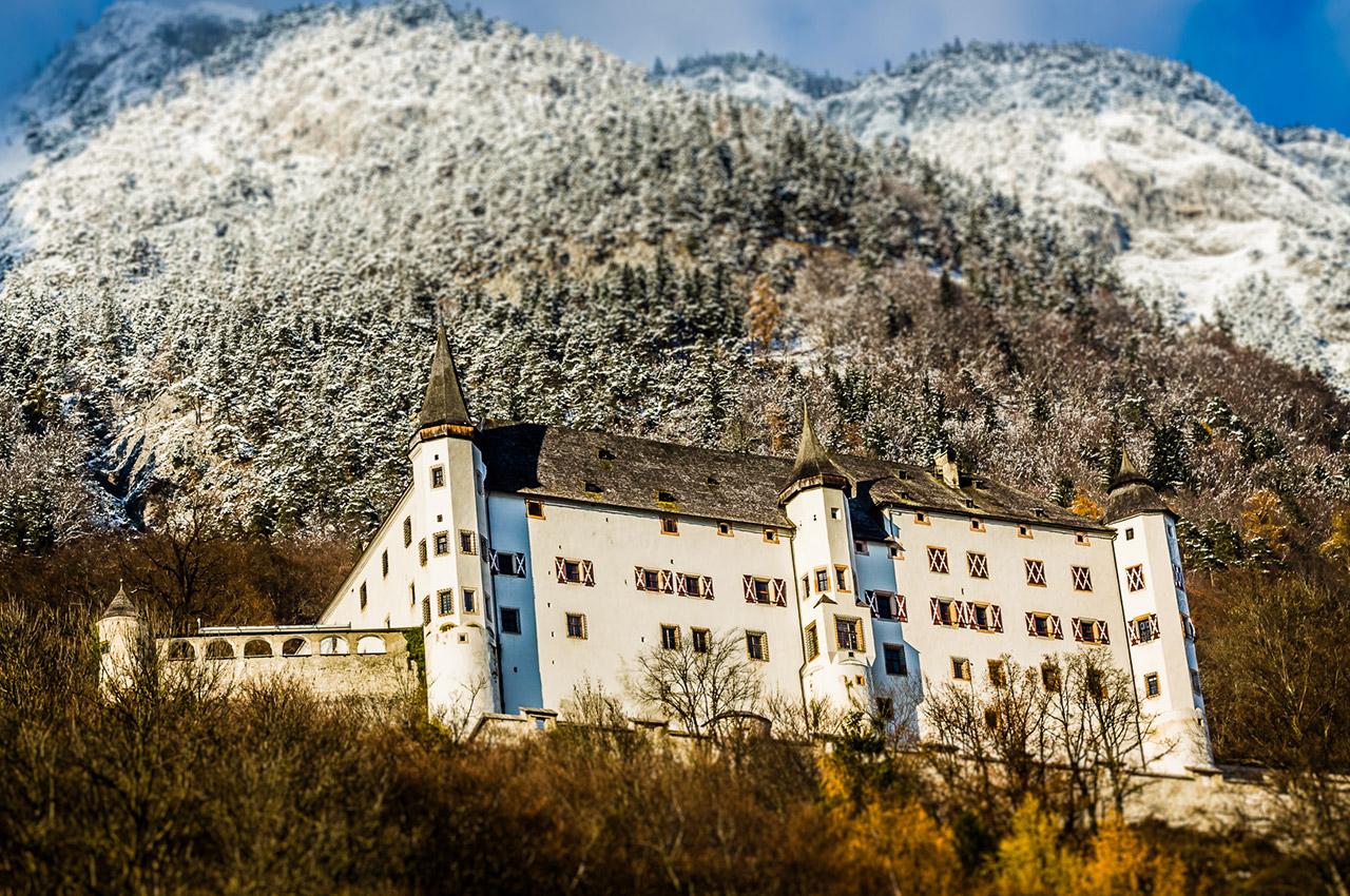 Château de Tratzberg dans le Tyrol autrichien