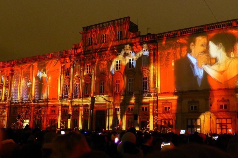 Des danseurs sur le Musée des Beaux-Arts de Lyon