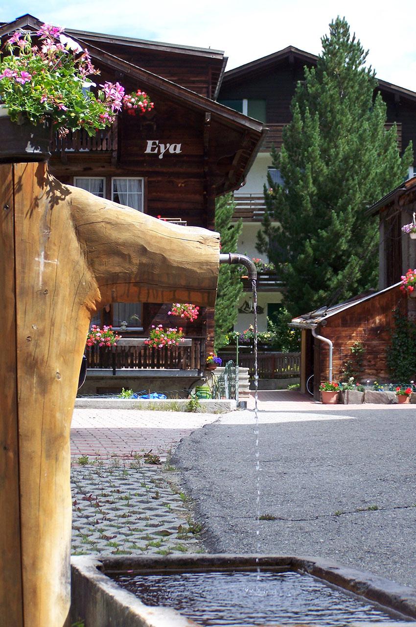 Petite fontaine dans le village
