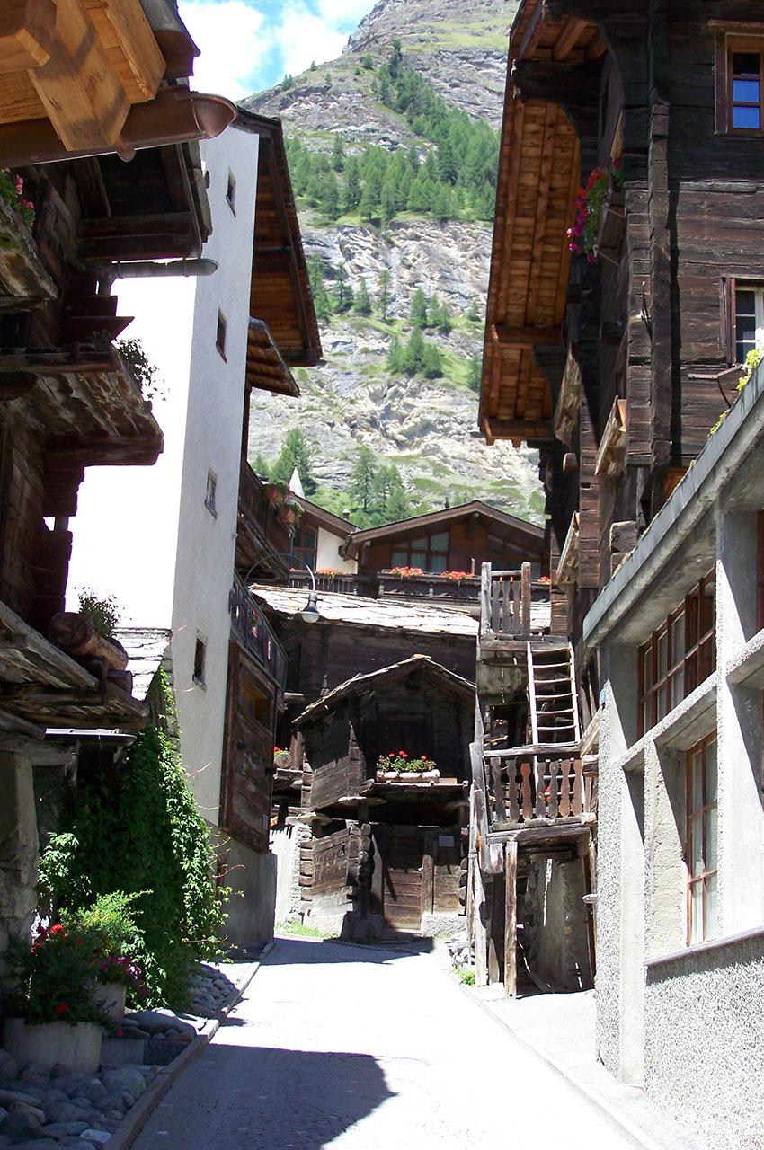 """Le """"Hinterdorf"""" (village arrière), à Zermatt"""