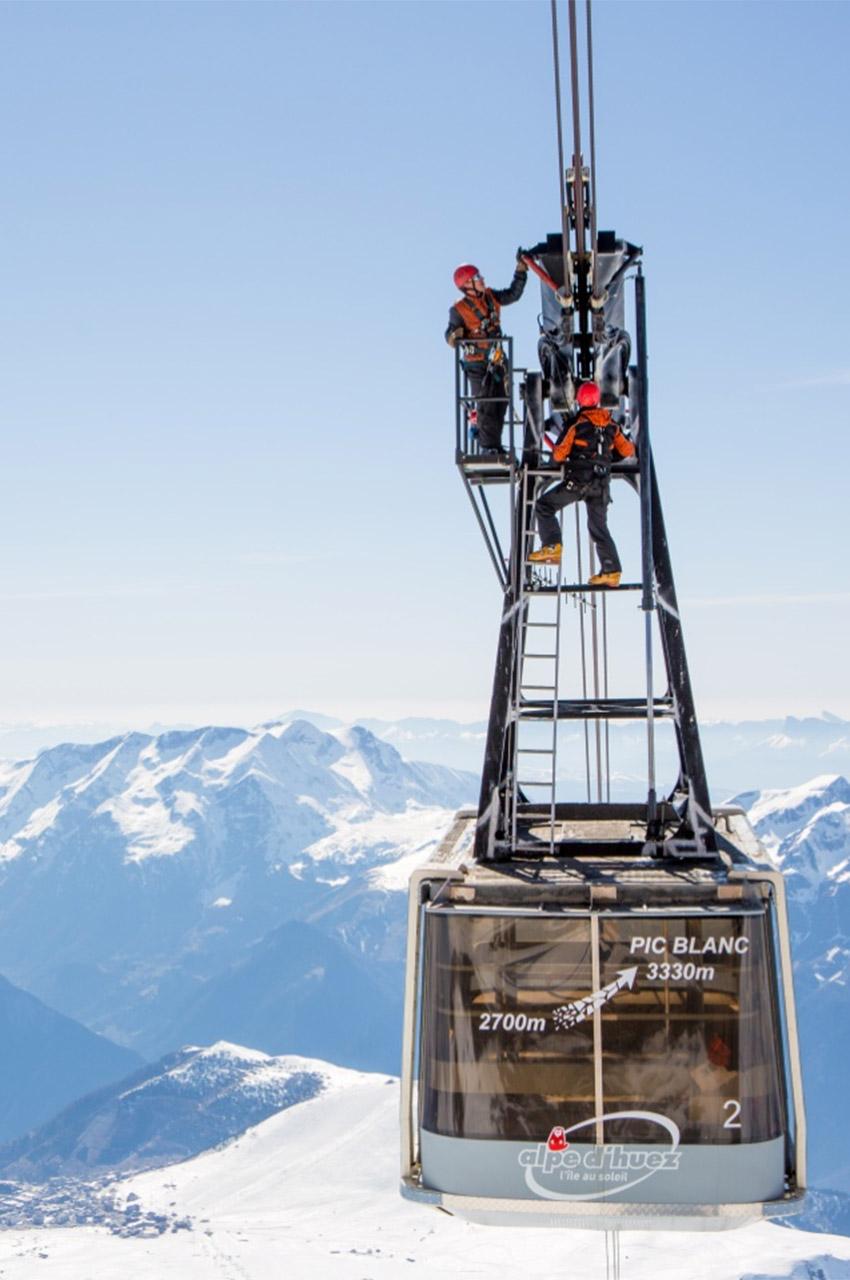 Inspection du téléphérique du Pic Blanc