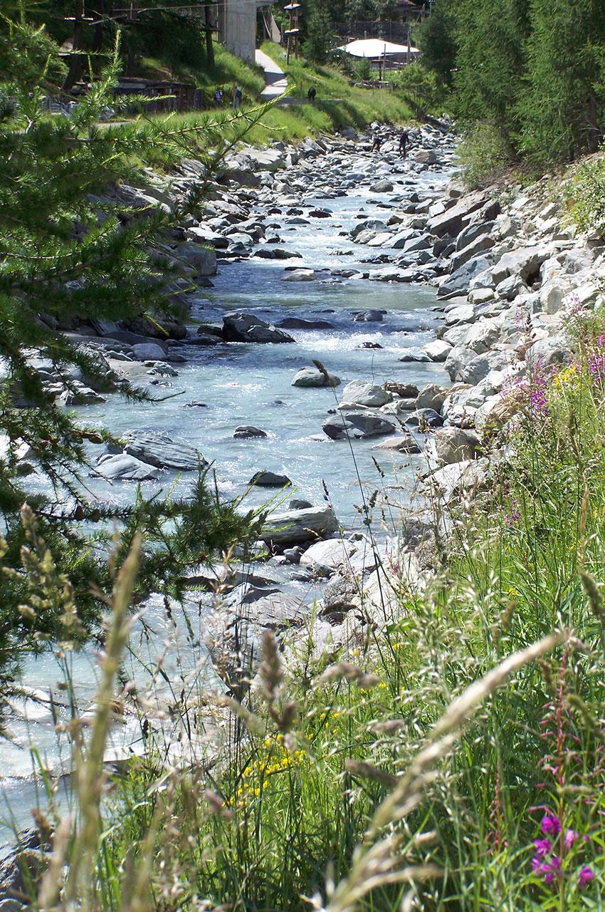 La rivière Matter Vispa traverse Zermatt
