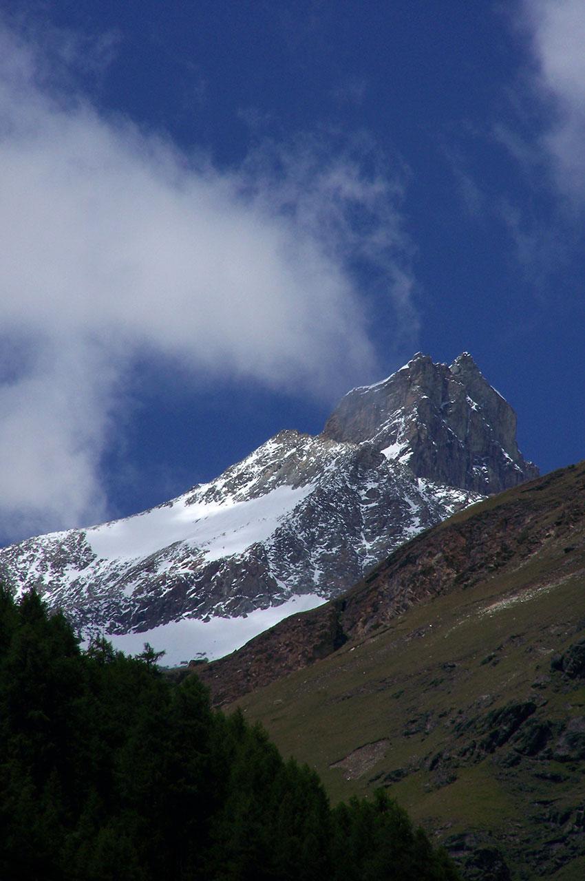 Montagne vue depuis le haut de la station de Zermatt