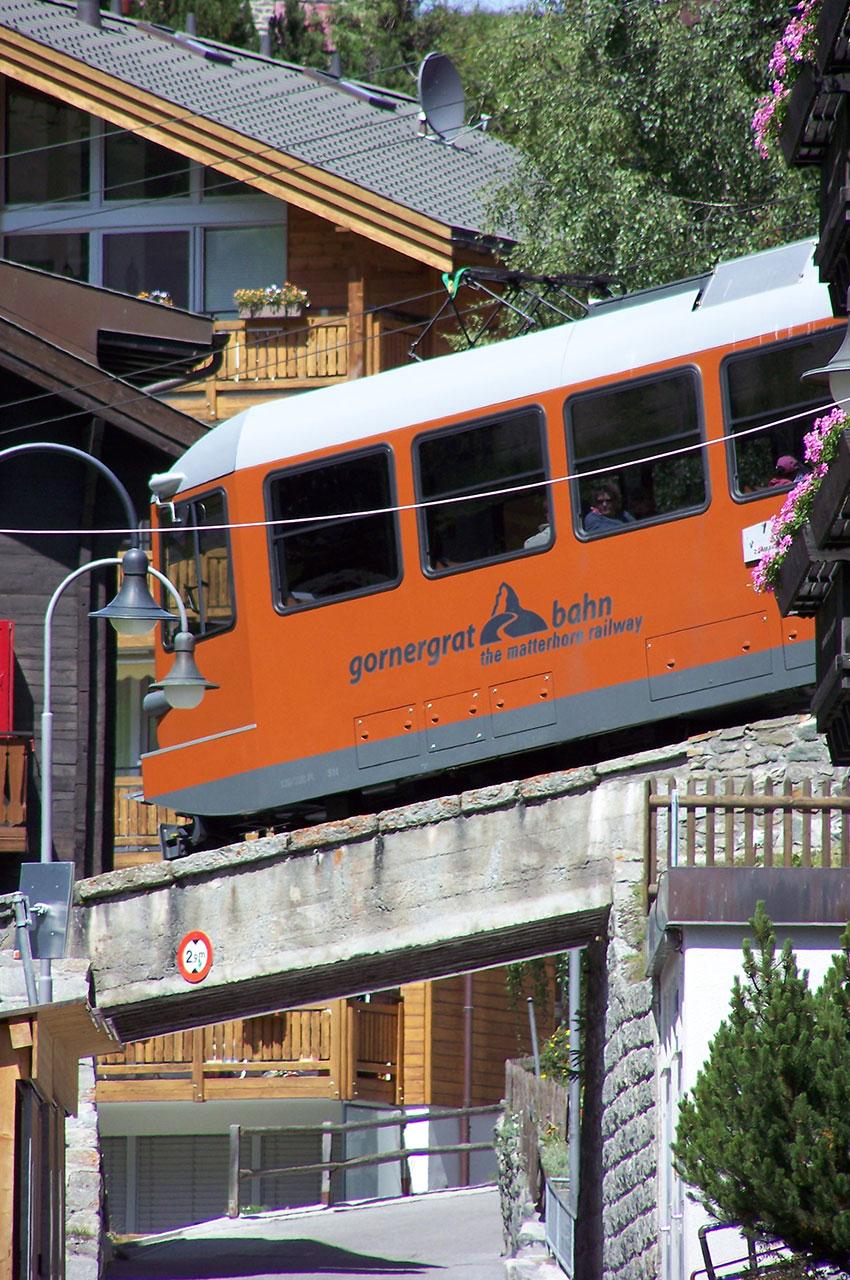 Le petit train à crémaillère du Gornergrat