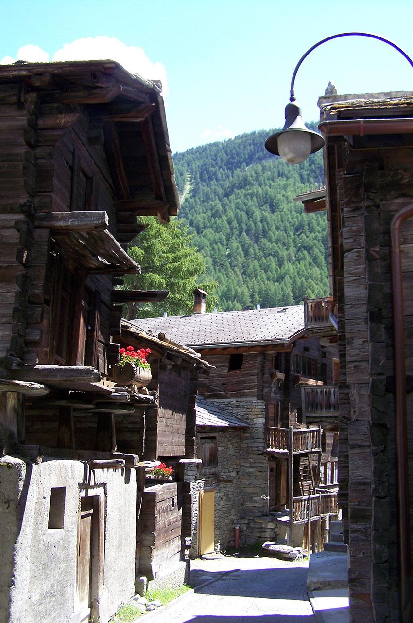 Rue principale du vieux village de Zermatt