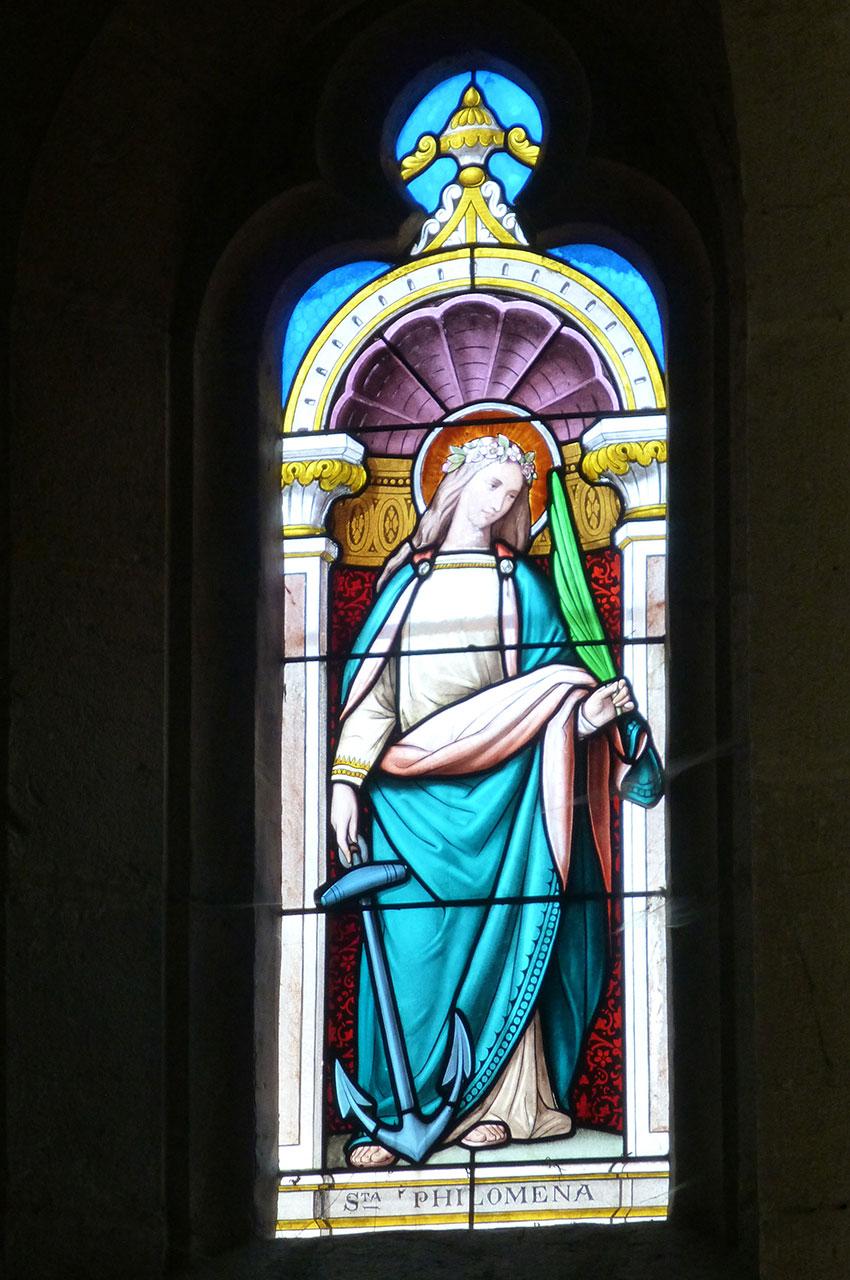 Vitrail représentant Sainte Philomène