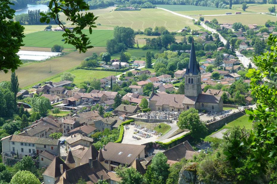 Vue sur le village de Saint-Sorlin en Bugey