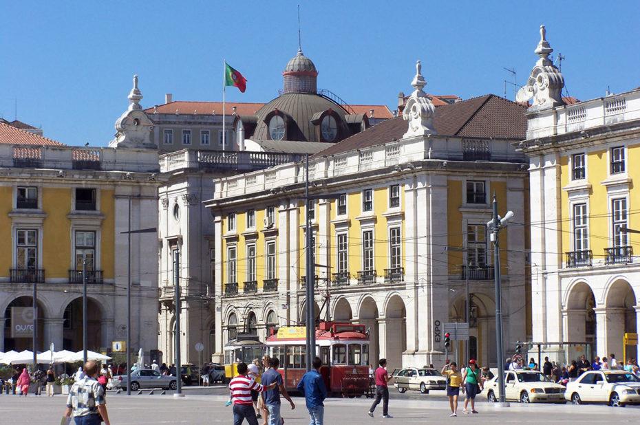 La Praça do Comércio est une place très animée à Lisbonne