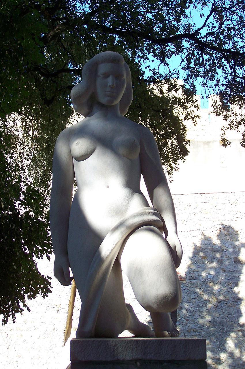 Statue de l'époque romaine, une jeune femme nommée Olisipona
