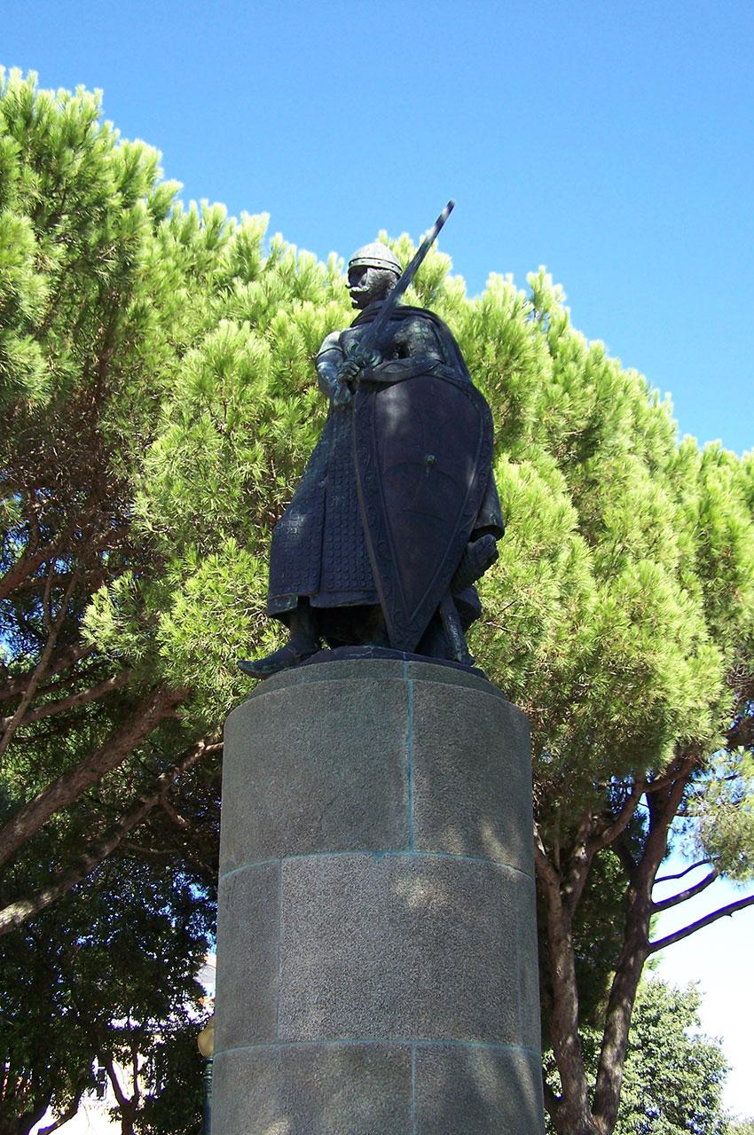 Statue du roi Afonso Henriques