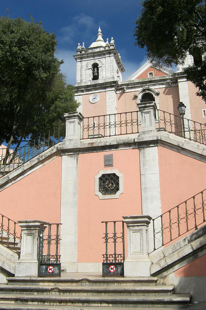 Escalier de l'église Santos-O-Velho