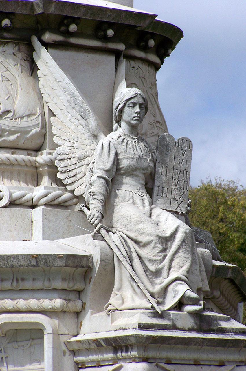 Statue d'ange sur le monument dédié à Afonso de Albuquerque