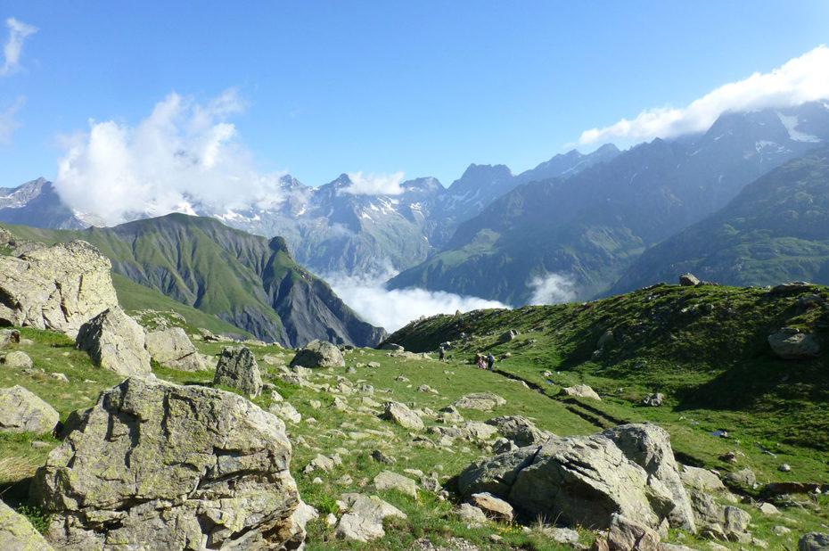 Les sommets des Écrins depuis le refuge de Vallonpierre