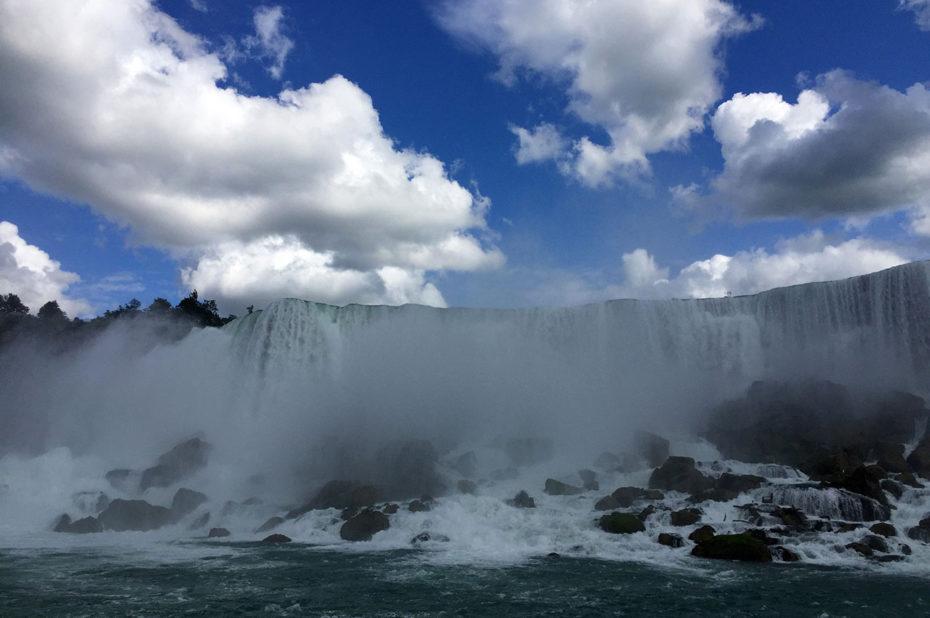Les chutes du Niagara alimentent la rivière éponyme